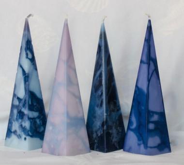 pyramide kaars van 22 cm. in diverse kleuren